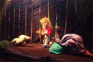 Marionetten in der Bühne